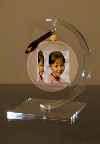 Acrylic stand for your photo-christmas-ball